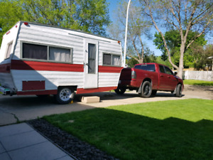 REDUCED!  17' travelaire camper