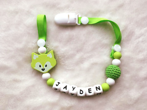 perfect gift for baby shower: Pacifier clip