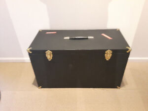 Vintage Wooden Musical Instrument Trunk 28.5in x 13in x 16.5in