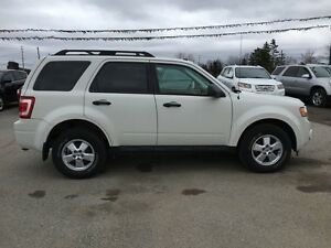 2010 FORD ESCAPE XLT * LEATHER * POWER GROUP * EXTRA CLEAN London Ontario image 7
