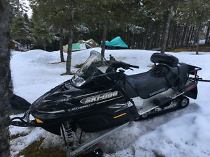 Selling 2009 Legend snowmobile.