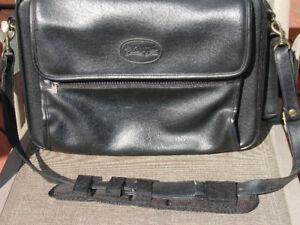 Sacoche cuir Bugatti pour laptop 17 pouces