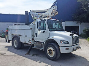 2007 Freightliner Altec TA40 Bucket Truck - Priced to Sell!