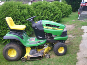 ***  REDUCED*******JOHN DEERE lawn tractor