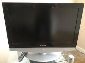 Samsung 32 in HD ready colour TV