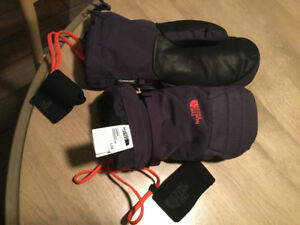 Almost new North Face mitts