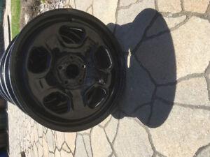 4 Rims  pour pneu de 18 pouces était sur un Ford Edge
