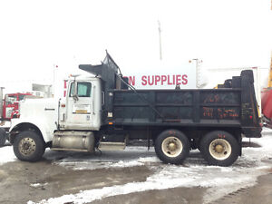 1996 INTERNATIONAL 9300 Tandem Axle Dump Truck