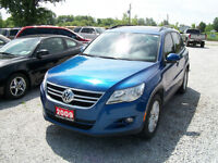 2009 Volkswagen Tiguan AWD , Low K's. Panoramic roof