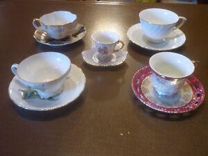 Tasse et soucoupe de porcelaine vintage