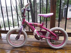 Vélo de princesses en très bon état