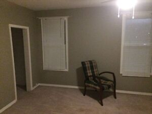 Clean 1 bed, upper level, private entr., central, $750 all incl.