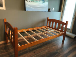 Twin bed headboard and footboards ... stackable .. solid wood