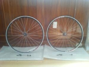 Road Bike Wheels: DT 240s, Record, Centaur