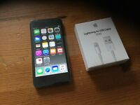 iPod touch 6 generation 16 gb brawn new whithe charger
