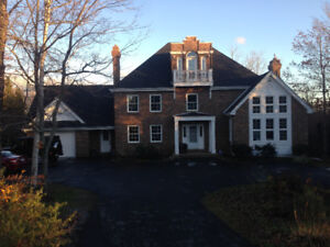 room for rent in executive home