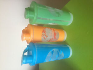 Tupperware cups with lids. Set of 3