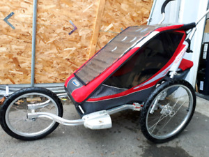 Chariot cougar velo et jogging comme neuf!