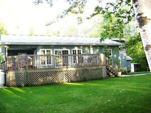 beautiful lakefront cottage near Goderich