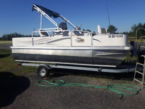 2008 pontoon 18ft new motor and trailer call 519 942 6691