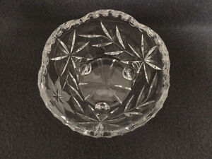 Collectible Antique Beautiful Crystal Candy Dish London Ontario image 3