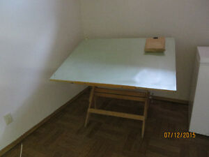 Professional wood drafting board Windsor Region Ontario image 1