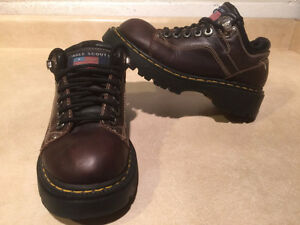 Women's Eagle Scout Sport Hiking Shoes Size 7 London Ontario image 1