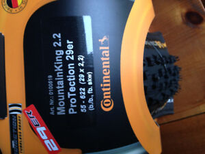 Continental Mountain King 2.2 ProTection Tyre