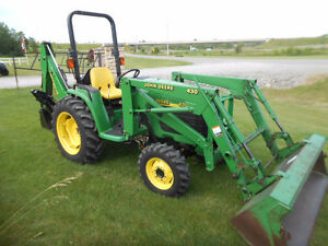 JOHN DEERE 4300 TRACTOR LOADER BACKHOE