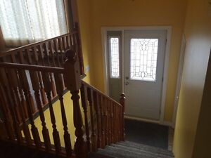 3 BEDROOM UPPER LEVEL AVAIL. MINUTES FROM MUN, AVALON MALL