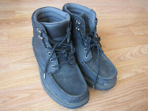 used just a little bit men winter boots
