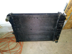Radiateur gm comme neuf 40$
