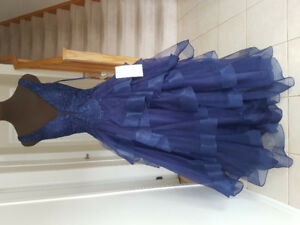 NEW Elegant navy blue BALL GOWN/DRESS, perfect for prom!