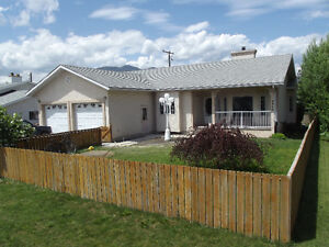 Beautiful Family Rental Available Immediately in Canal Flats!