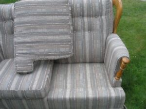 Couch / Sofa / Love seat