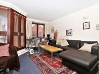 1 bedroom flat in Narrow Street, Isle of Dogs E14