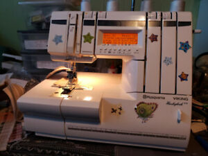 HUSQVARNA model 936 overlock+COVERSTITCH en 14 langues