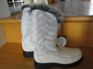 botte blanche hiver  gr 6  neuf