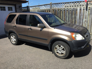 Honda CR-V 2003 low kms and running great!
