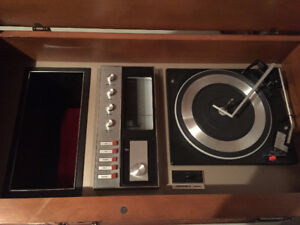 1970's RCA vintage stereo cabinet record player