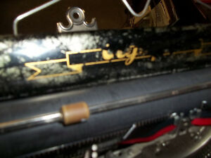 #greenspotantiques Fantastic special edition Olympia typewriter, Cambridge Kitchener Area image 3