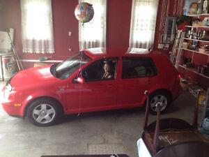 2003 Volkswagen Golf red Sedan