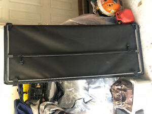 Tonneau Cover 6.5ft box GMC Sierra