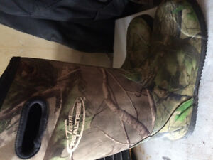 Realtree rubber boots