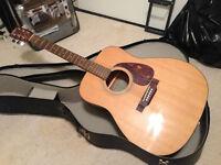 Eterna Acoustic Guitar by YAMAHA