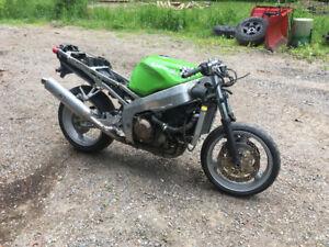 1998 Kawasaki ninja zx6r part out