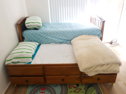 Double Bed/ Bunk Bed (matresses included)