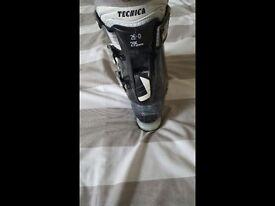 Tecnica ski boots size 25.0 295mm