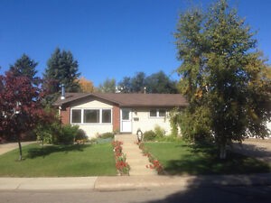 OPEN HOUSE - June 2 - 11am-3pm, 13 May Crescent MLS C4110382