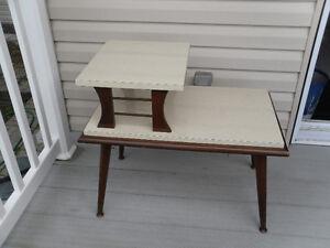 3 tables de salon vintage  75.$ bon prix  à Arvida 581 490 1146